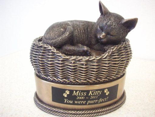 Image Credits: pet-urns-online.com